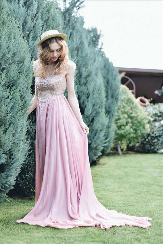 Rochie de seară roz cu dantelă - #SinestezicQueens - Sinestezic