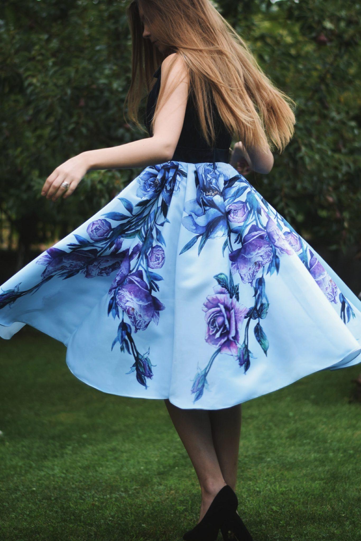 Rochia de zi cu imprimeu Blue Bouquet | Sinestezic | #SinestezicQueens | Ingrid Orosz
