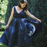 Rochie de seara albastra midi cu imprimeu floral Sinestezic